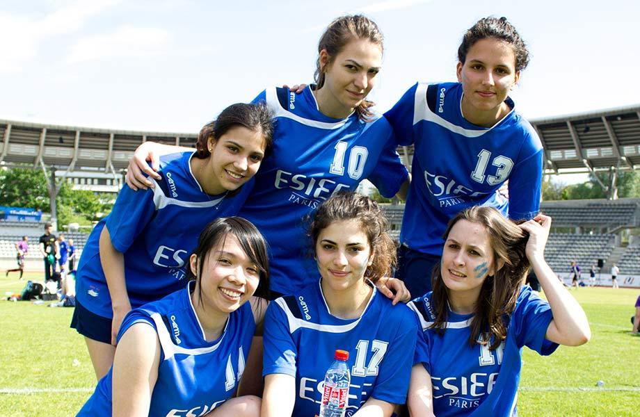 equipe-feminine-esiee-paris.jpg