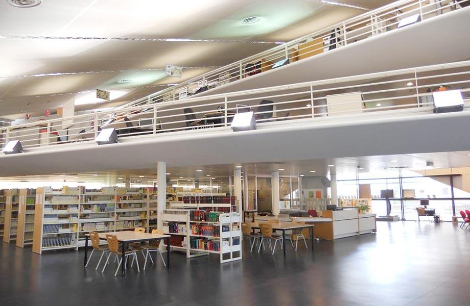 Vue sur la mezzanine - Bibliothèque ESIEE Paris