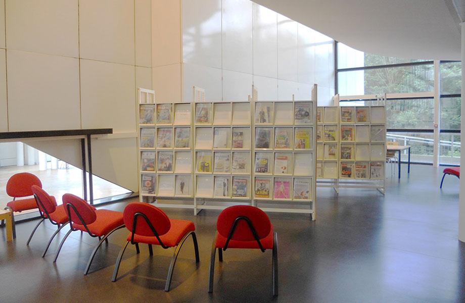 Espace de consultation revues - Bibliothèque ESIEE Paris