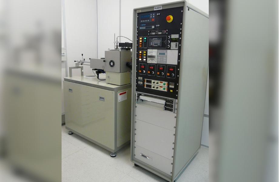 Équipement de gravure ionique réactive (RIE) type MG200S (Plassys)