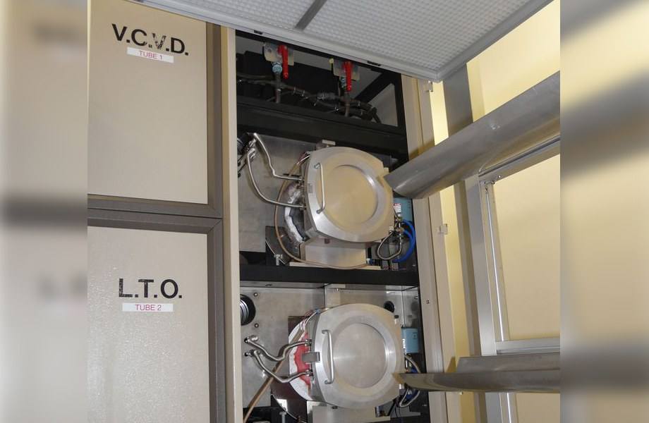 Four LPCVD pour le dépôt de nitrure et de polysilicium