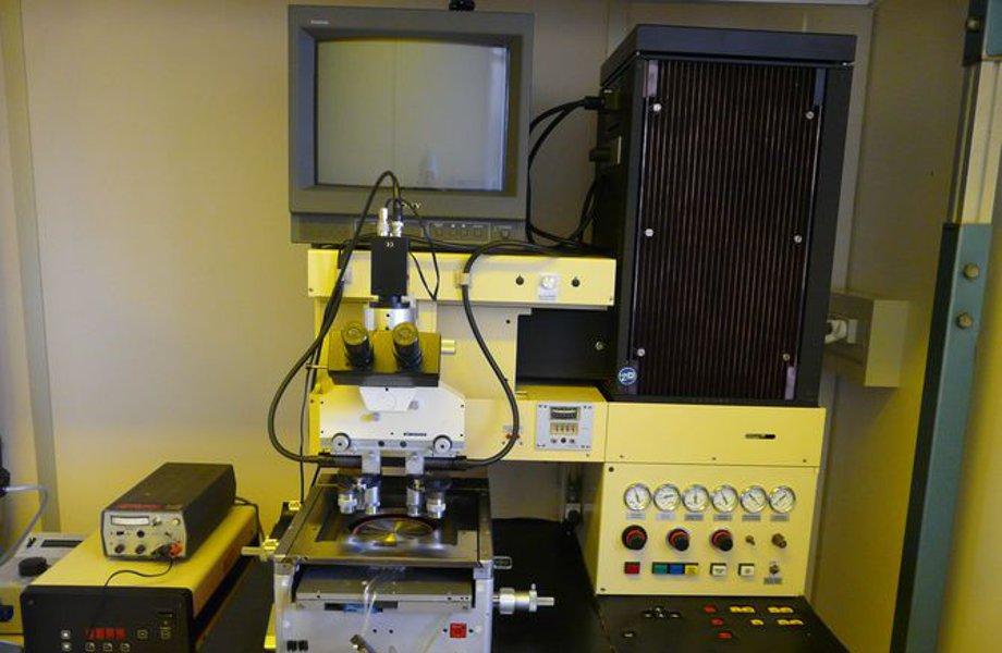 Equipement de photolithographie MA6
