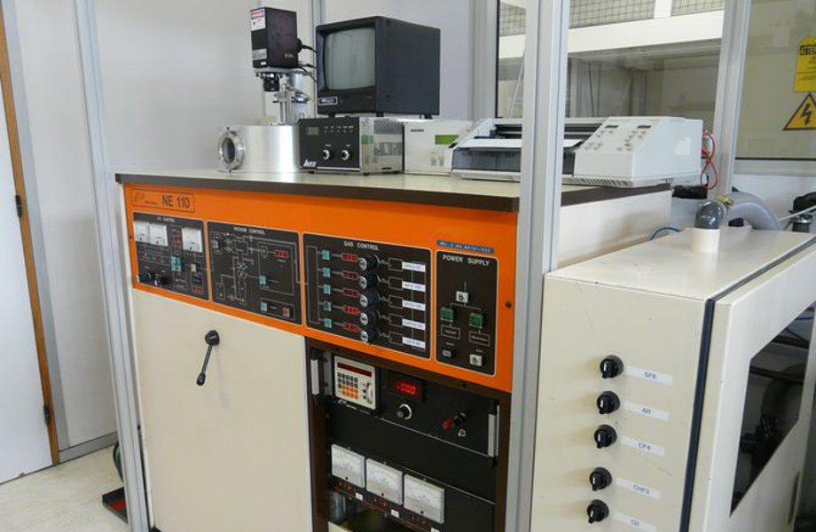 Équipement de gravure ionique réactive (RIE) type NE110 (Nextral)