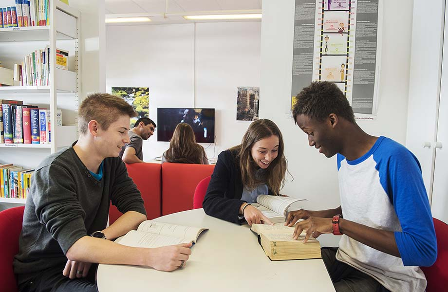 etudiants-centre-de-langues-2.jpg